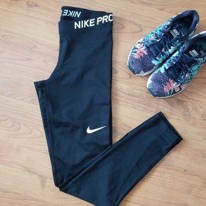 NIKE PRO DRI-FIT   NWT Training Leggings